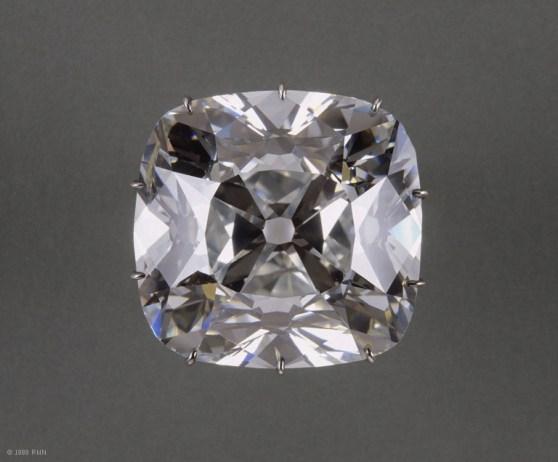 louvre-diamant-dit-quotle-regentquot.jpg