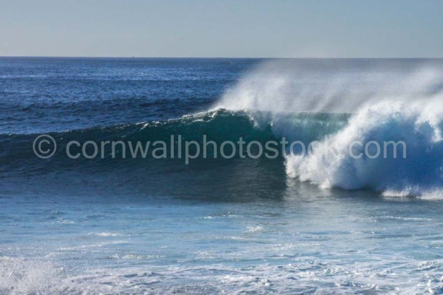 Powerful Breaking Wave With Offshore Spray 4752 x 3168 WM