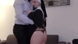Padre Safado tirando a virgindade da Freira mais Gostosa da Igreja