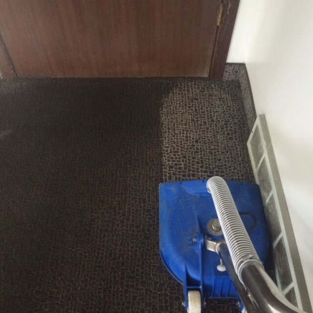 Wet Commercial Carpet Cleaning in the Grand Rapids area