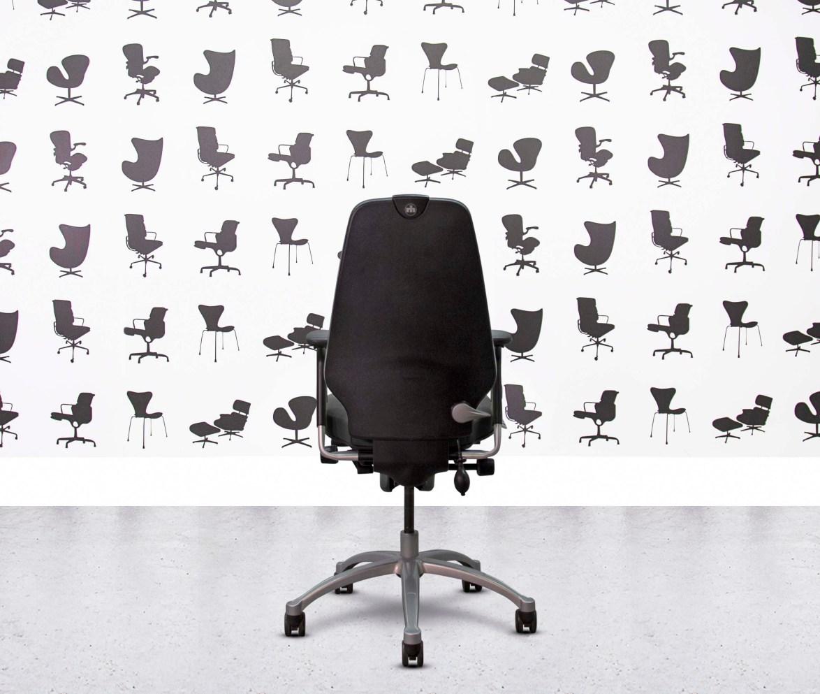 Refurbished ICF Charles Eames - Black Leather - Corporate Spec 2