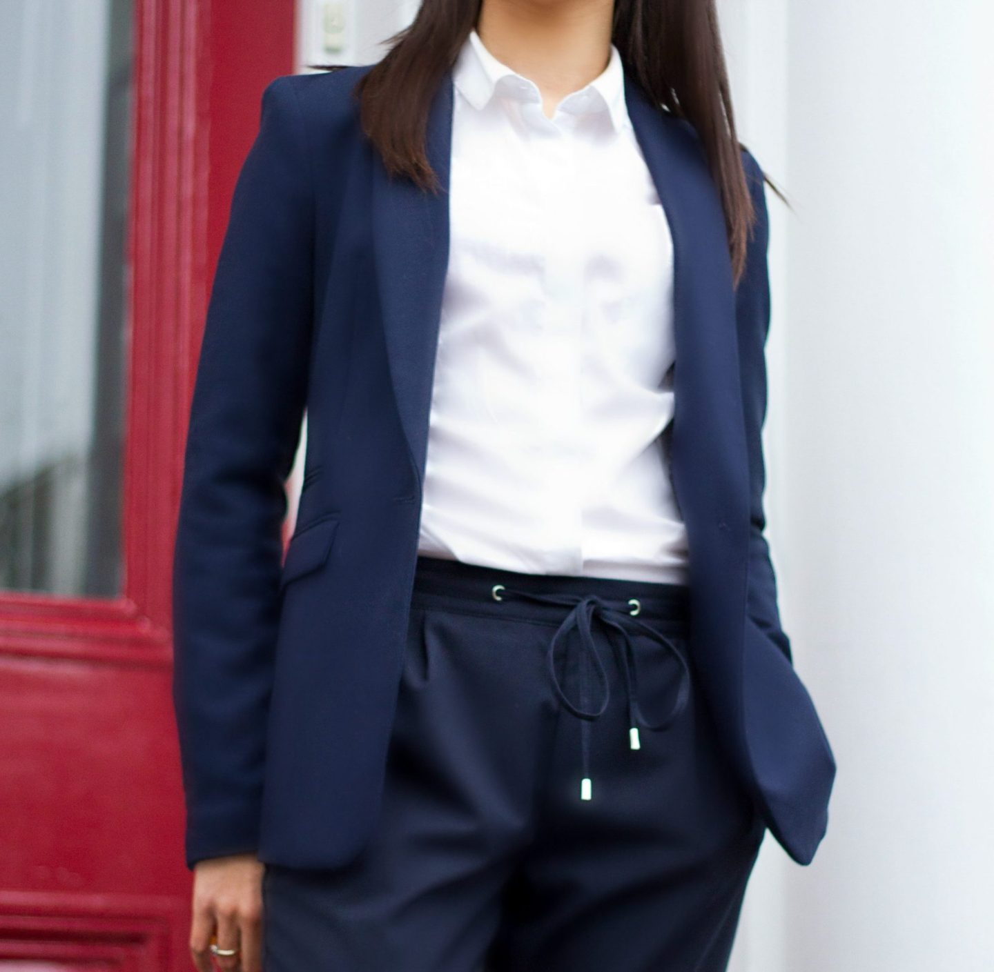 Corporate_Style_Story_Navy_Drawstring_Trousers_White_Shirt-Navy_Blazer_Outside_Red_Door_2212_3318