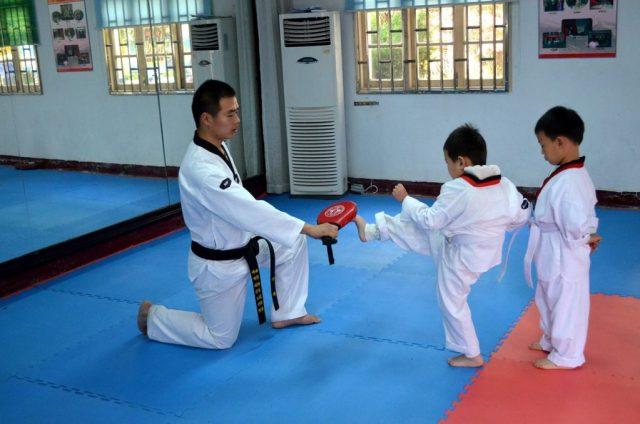 Cours d'arts martiaux enfant
