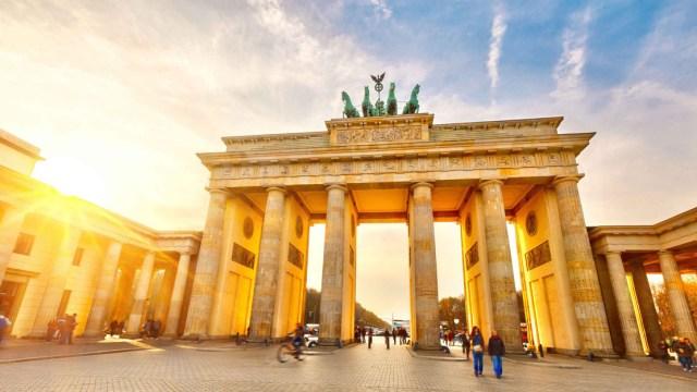 citta del divertimento, berlino, brandenburg gate