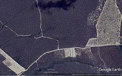 Imagem de satélite mostra regularidade de distanciamento entre montículos