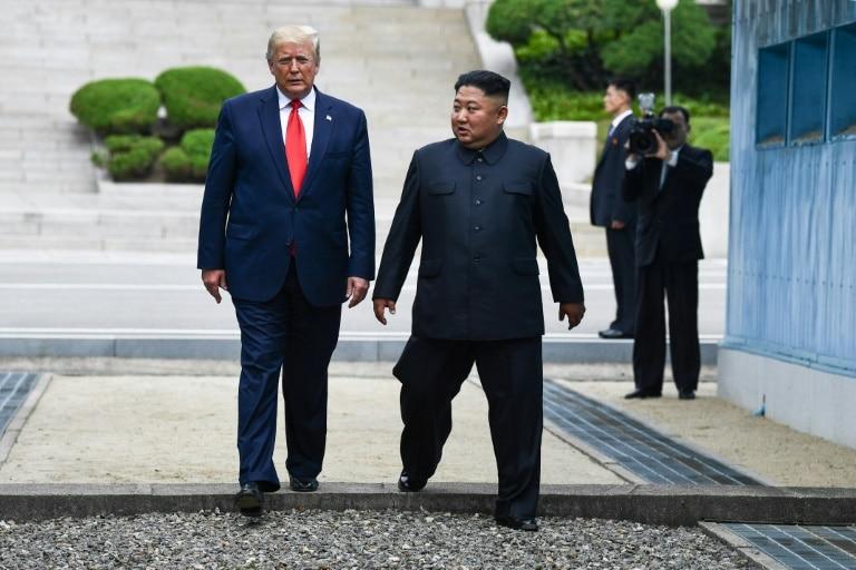 trump e kim - Trump faz história: é o 1º presidente americano a pisar na Coreia do Norte