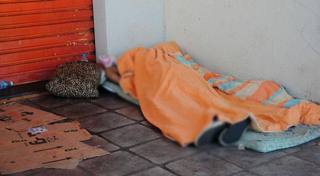 Morador de rua sofre crise epilética e morre por não receber devido socorro