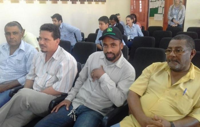 Produtores Rurais e Feirantes pedem a saída do Secretário de Agricultura