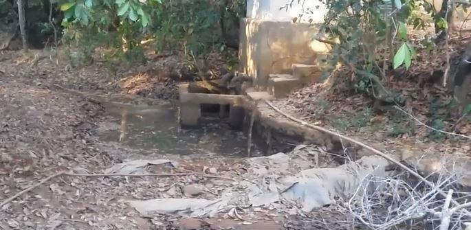 Caminhões pipa de Lagamar estão buscando água em Vazante