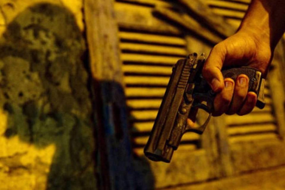 CCJ do senado libera compra de arma de fogo por morador de área rural