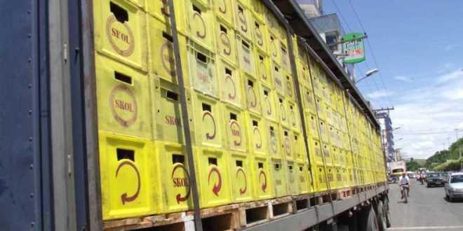Homens tentam roubar caminhão da Distribuidora de Bebidas Pereira Morrinhos