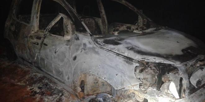 Carro é encontrado queimado em Morrinhos. Condutor morreu carbonizado