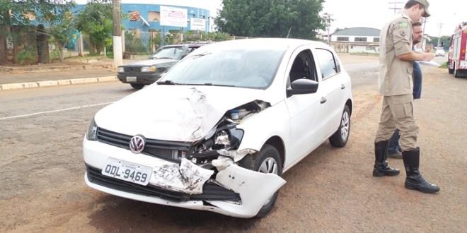 Condutor foge do local após acidente em Morrinhos – PM age rápido e encontra carro abandonado