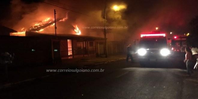 Mulher de 80 anos morre em incêndio no Jardim Santa Fé em Morrinhos. Tragédia chocou a cidade!!!