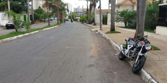 Morte no trânsito: carro x moto! Motorista atropela motociclista e foge sem prestar socorro! Veja o vídeo…