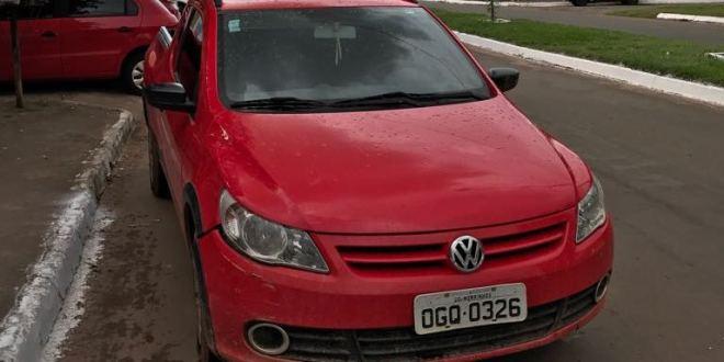 Polícia recupera Saveiro vermelha que foi roubada em Morrinhos! Veículo estava em Jaraguá, onde também foi recuperado um Fox furtado