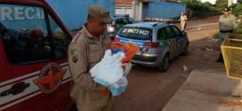 Bebê é abandonado na lata do lixo em Valparaíso. Vizinhos encontraram o menino ainda com o cordão umbilical