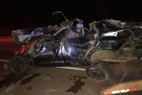 Pedaço de pneu de caminhão solto na pista provoca acidente na BR-060, em Acreúna! Dois trabalhadores morreram