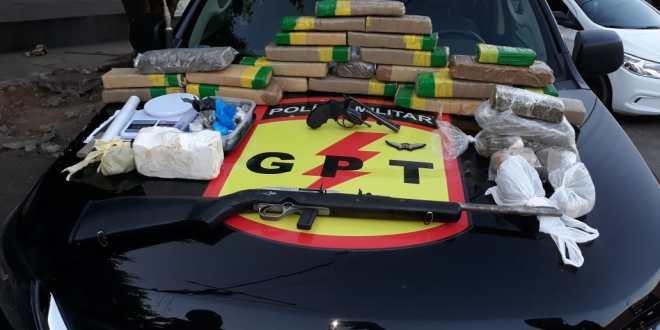 Grande apreensão de drogas em Caldas Novas. Dois homens foram presos e duas armas apreendidas