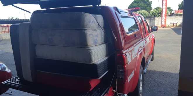 SOLIDARIEDADE: Corpo de Bombeiros entrega colchões na Campanha de Doação ao Lar José Passos, em Morrinhos