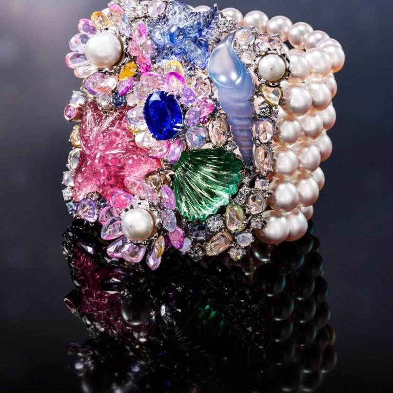 """Criações Anna Hu """"Siren Aria"""", bracelete em pérolas"""