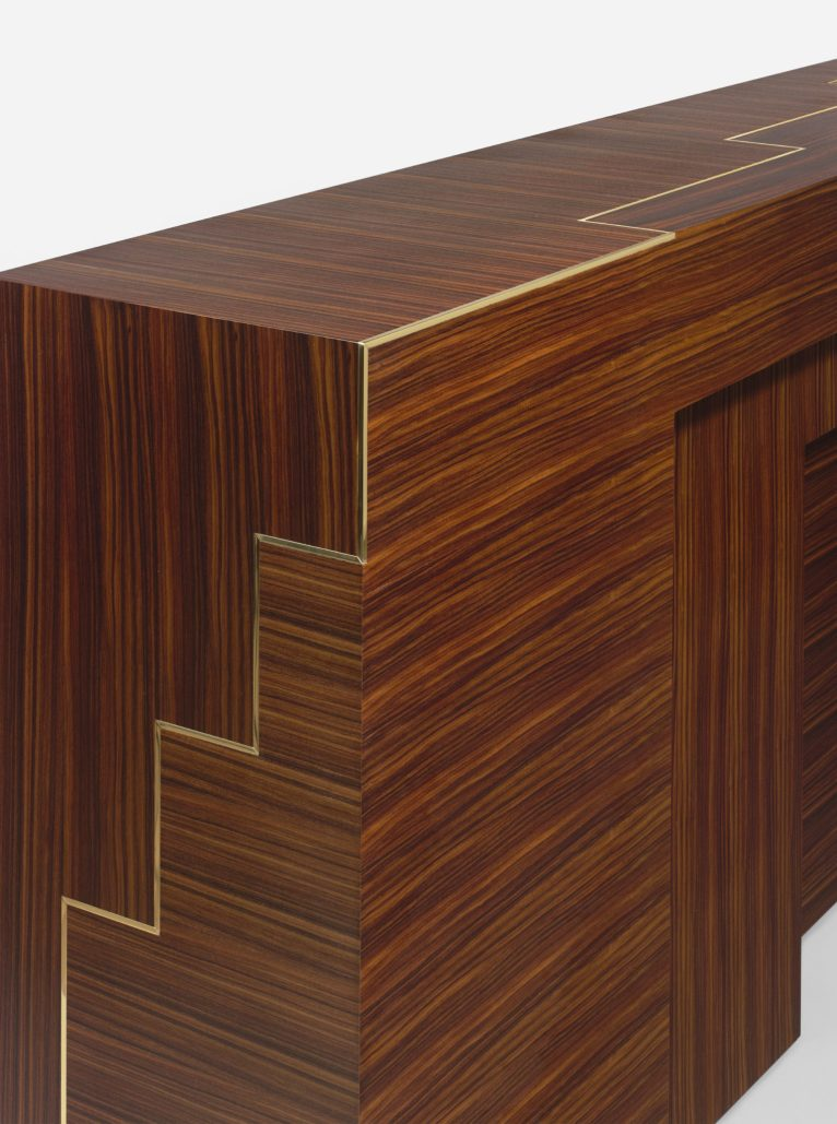 Galerie Negropontes Console Overhung