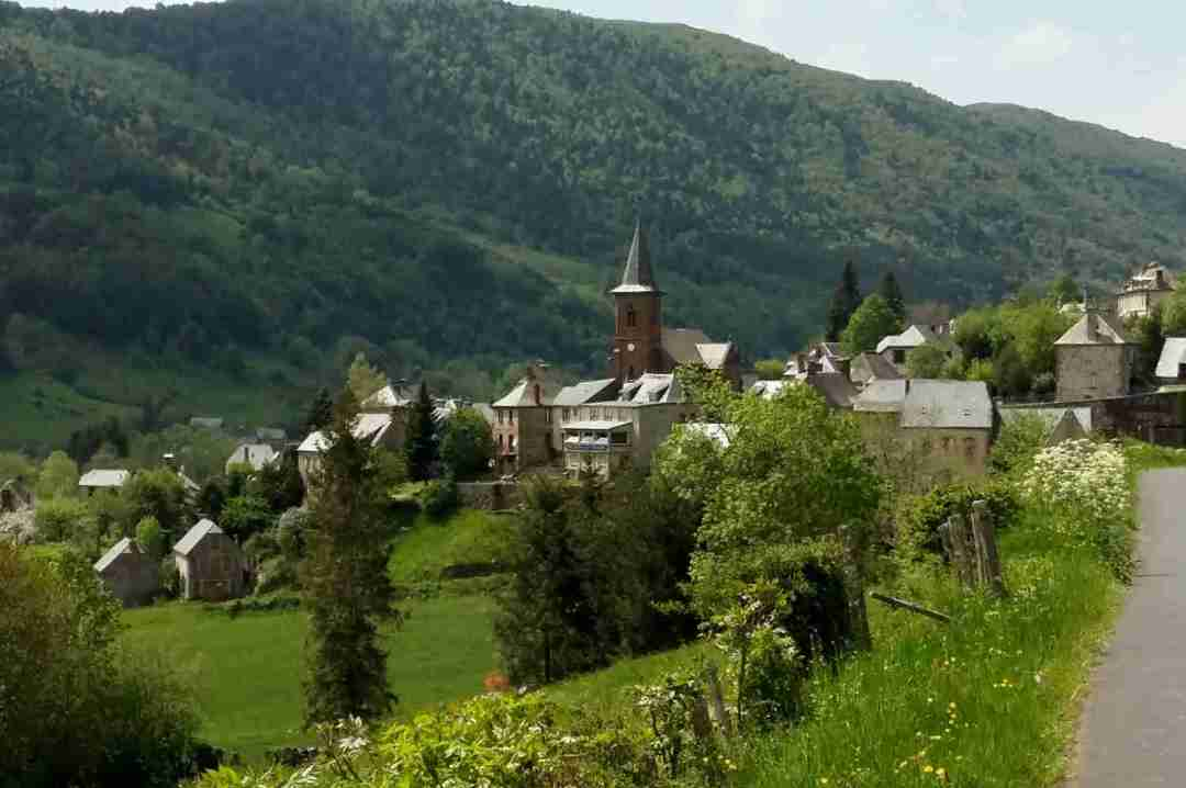 Cycling Holiday in France and Massic Central Cycling Tour with Correze Cycling Holidays