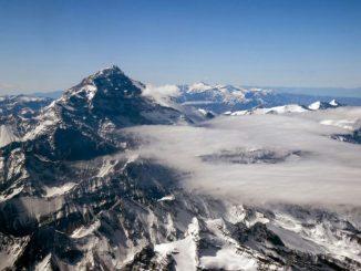 O cume do Aconcágua, a 6.961 metros de altitude. é o objetivo da Indomit Aconcágua Expedition,