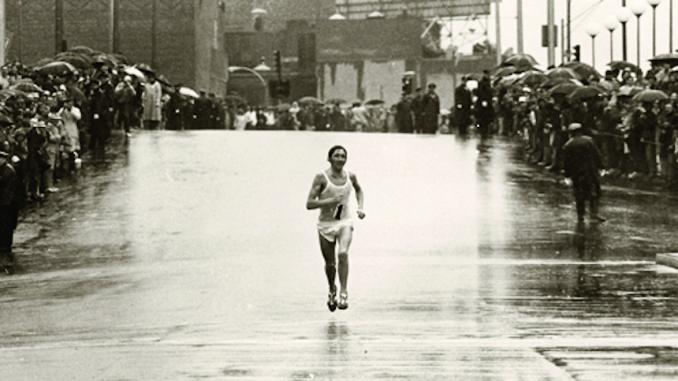 Ron Hill, uma lenda da maratona, morre aos 82 anos. (Foto de ronhil.com)