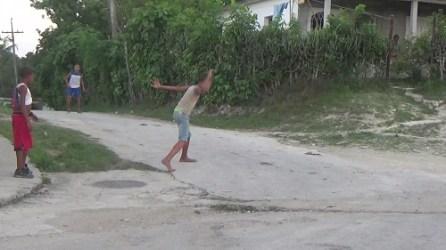 niños de Cabañas jugando 2015 (1)