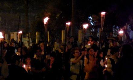 """Luminarias de San Juan Bautista en vísperas su día Litúrgico,  """"ser misericordiosos como el padre, por una cultura del encuentro""""."""