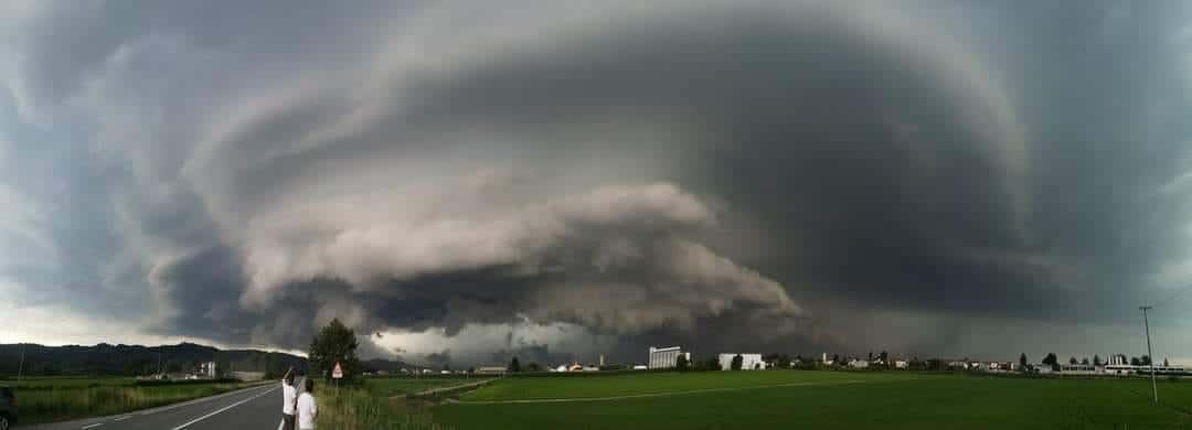 212453085 3034131473487422 5716874114004533949 n - Meteo Piemonte e Lombardia: ingenti danni per temporali di forte intensità. Grandine e vento devastano anche edifici