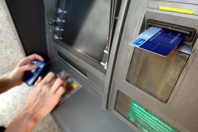 Atm, servizi bancari a portata di sportello