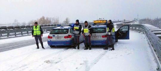 Trentino e Alto Adige messi in ginocchio dalla neve. Valanga sul Brennero