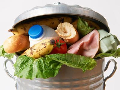 La 'hit' dello spreco, per 7 italiani su 10 in testa c'è il cibo