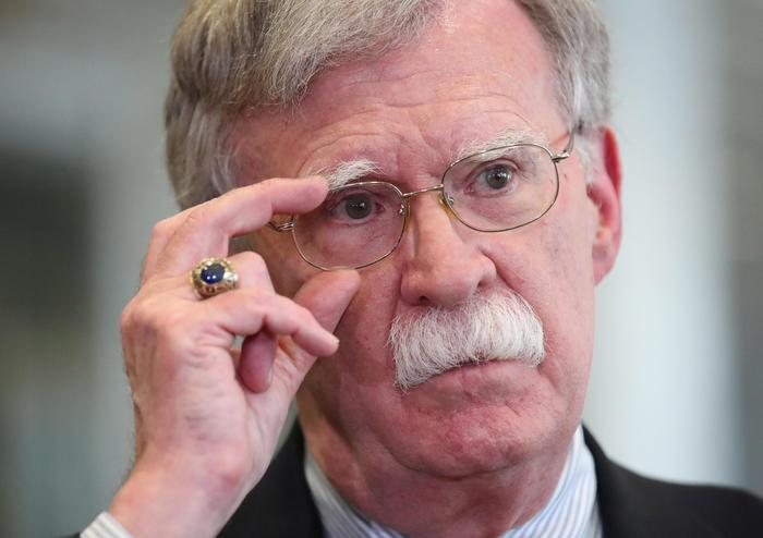 Nello show dell'impeachment entra in campo John Bolton