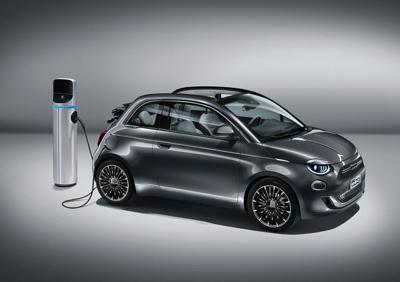 Ecco la Nuova 500, la terza generazione nasce 'full electric'