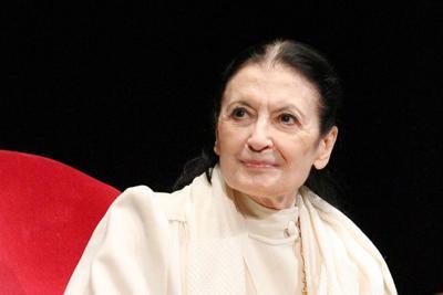 25 aprile, Carla Fracci: Ben vengano canti alla finestra, non ridurre Bella ciao a canzonetta