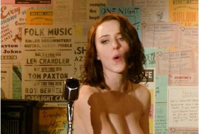 Michelle Brosnahan in una scena di 'La fantastica signora Maisel'