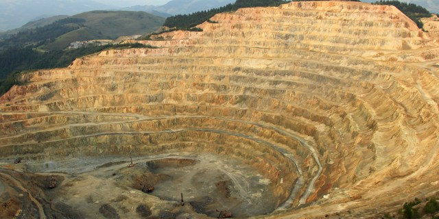 Ceramic Liners save hundreds of thousands for Latin American copper mine.