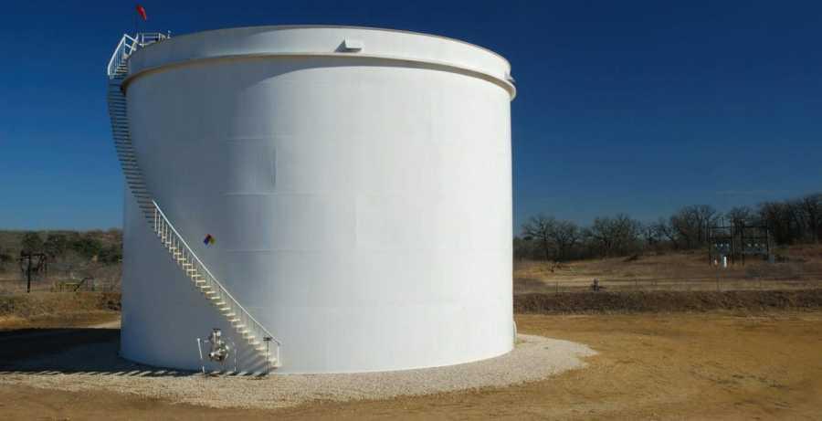 Darst Field Oil Tank