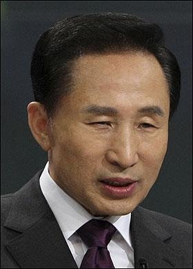 Korea: President's brother arrested