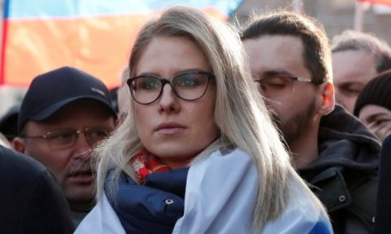 Russia: Navalny's top associate detained.