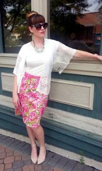 Kimono:Monteau Skirt: AMI Top: Banana Republic Belt/Earrings: Kate Spade Neckalaces: JCREW Shoes:MIA Sunnies: Franco Sarto