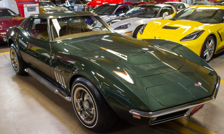 1969 green corvette l71 coupe 0213
