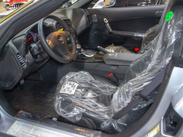 2009 ZO6 Silver Corvette int