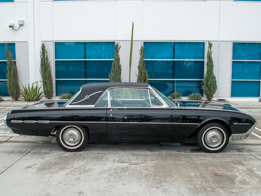 1962 black thunderbird coupe 0255