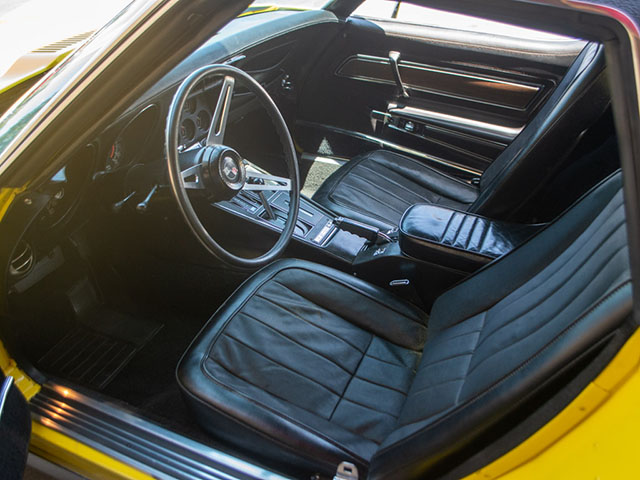 1975 l48 yellow corvette convertible automatic interior