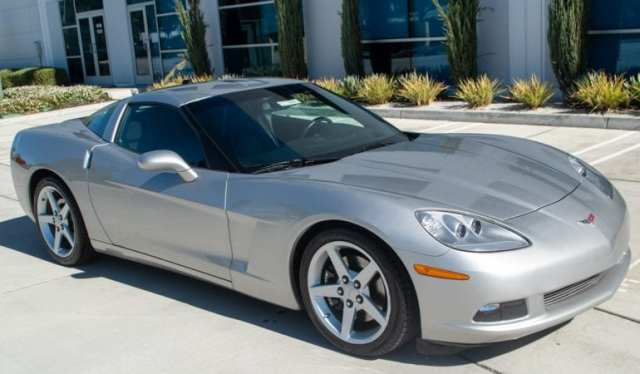 2005 Silver Corvette Coupe 0767