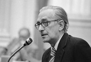 Theo Joekes (foto: Fotocollectie Nationaal Archief/Anefo/Marcel Antonisse, CC BY-SA 3.0 nl-licentie).